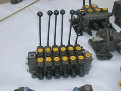 EBM12型多路换向阀